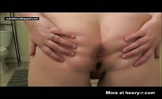BBW babe shitting and masturbating
