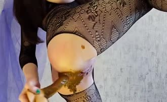 Fisting and dildoing nasty pussy