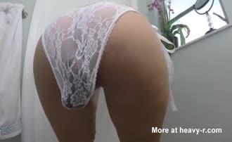 Heavy panty poop