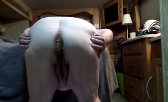 BBW babe pooping on her knees