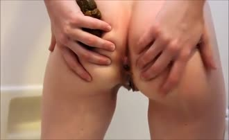 Rubbing shit on hairy pussy